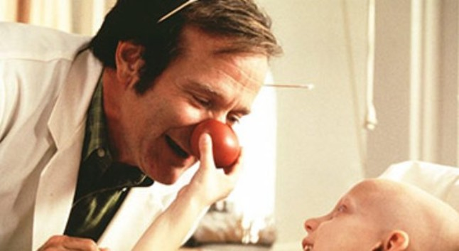 Robin Williams en Patch Adams (1998).