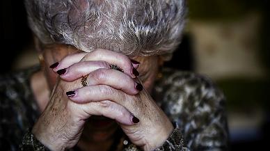 Augmenten els casos de maltractaments a gent gran
