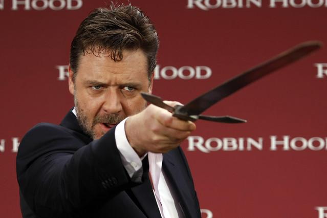 Russell Crowe se cabrea con Virgin Australia