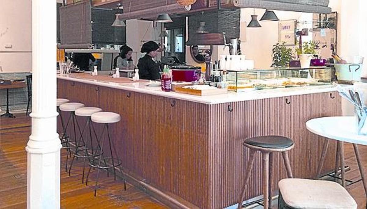 Satay grill un restaurante asi tico y callejero en el raval for Pisos asiaticas barcelona