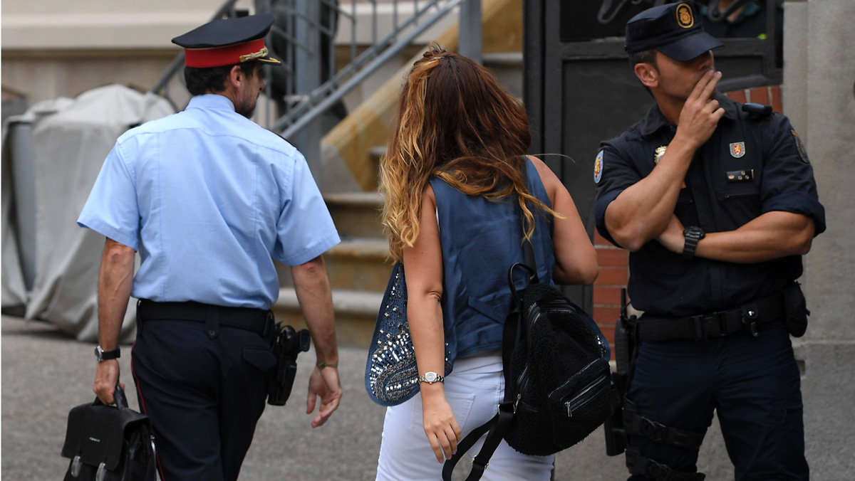 Breve reunión entre mandos de la Policía, la Guardia Civil y los Mossos