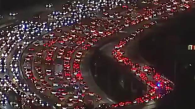 Atasco kilométrico en Los Angeles coincidiendo con el Día de Acción de Gracias