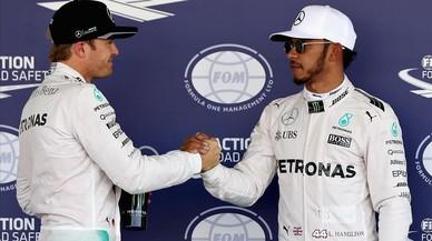 Hamilton lluita per endarrerir la conquista del títol de Rosberg