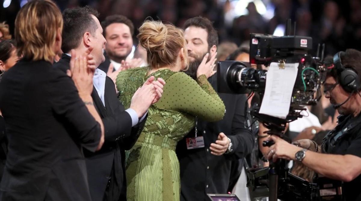 La cantant Adele afirma que està casada amb Simon Konecki
