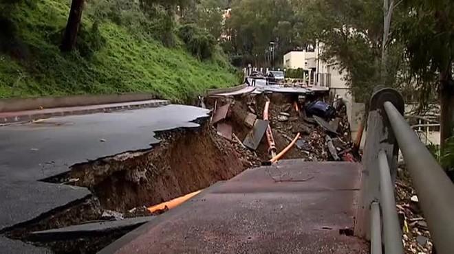 Una forta tromba d'aigua inunda vivendes i carrers a Màlaga