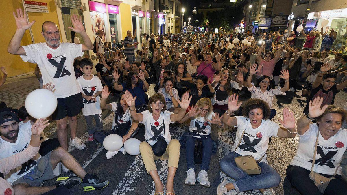 Nueva protesta, esta vez pacífica, de los vecinos de Murcia contra las obras del AVE