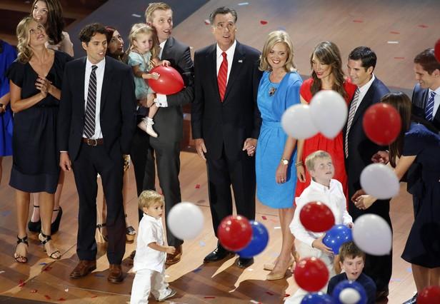 Romney busca a los decepcionados con Obama