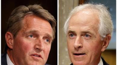 Dos senadores republicanos arremeten con dureza contra Trump
