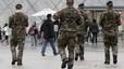 Les forces de seguretat acordonen estacions i centres neuràlgics de París