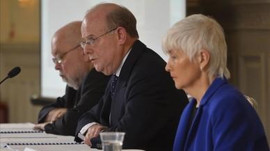 Anthony Hart (en el centro), responsable de la investigación.