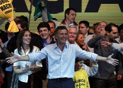 El alcalde Mauricio Macri celebra su reeleción, ayer, en Buenos Aires.