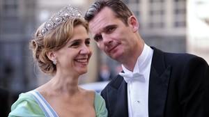 La infanta Cristina e Iñaki Urdangarin, en una boda de la familia real de Suecia, en 2010.