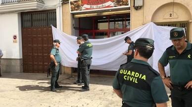 Un policia local de Jaén mata un home, en fereix un altre i se suïcida