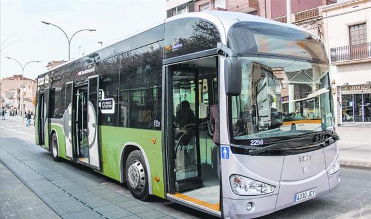 Autobús eléctrico. La T-Verde fomentará el uso <br/>del transporte público más allá de la metrópolis.