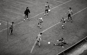 Los jugadores del Dream Team de Cruyff en un rondo en el Camp Nou en 1993.
