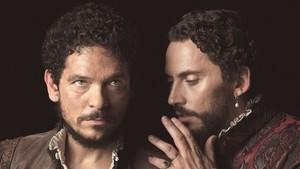 Pablo Molinero y Paco León, en la serie La peste