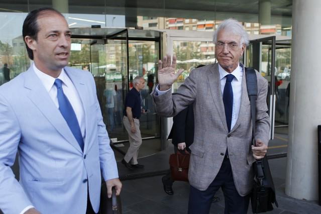 Un alto cargo del Sant Pau dice que desconoce los pagos a directivos
