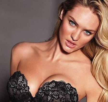 Victoria's Secret retoca mal el pecho de una modelo