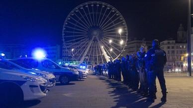 Un centenar de polic�as en el acto de protesta de hoy en la ciudad de Marsella.
