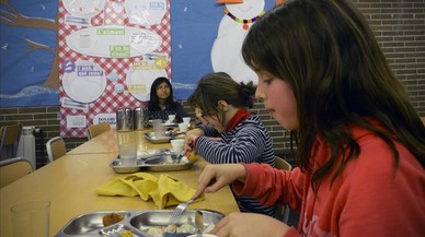 Hora del comedor en una escuela de Barcelona.