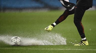 Va ploure aigua i no gols a Manchester
