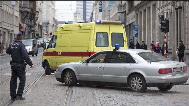 Abdeslam declara que a última hora va decidir no fer esclatar el seu cinturó d'explosius a l'Estadi de París