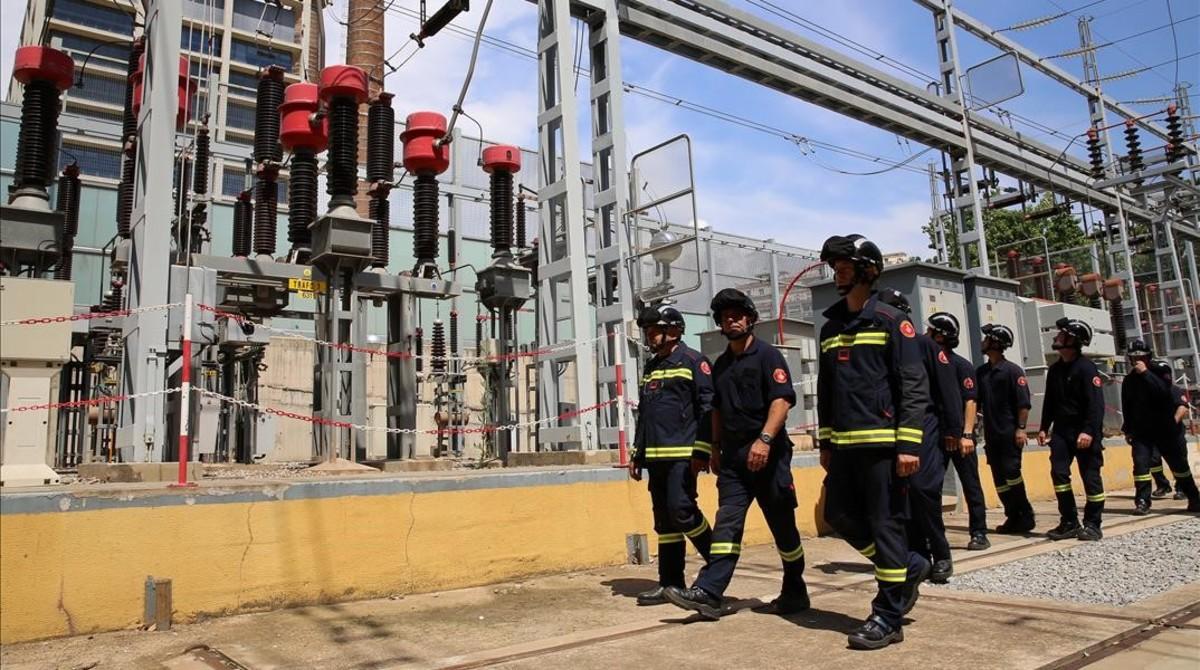 Los bomberos recibirán formación sobre incendios en instalaciones eléctricas