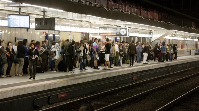 Endarreriments a Rodalies per un atropellament a Passeig de Gràcia