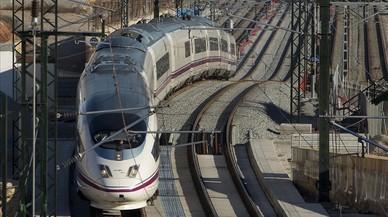 Detinguts a Albacete cinc trens AVE amb 1.500 viatgers a bord a causa de la neu