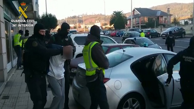 Detingudes quatre persones integrades en xarxes d'immigració utilitzades pel DAESH
