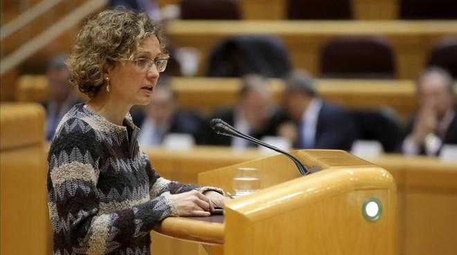 La 'consellera' de Ensenyament de la Generalitat, Meritxell Ruiz, durante su intervención en el Senado este lunes.