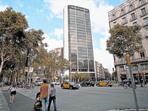 Sabadell y tsb banking llegan a un acuerdo para lanzar la opa - Oficinas banc sabadell barcelona ...