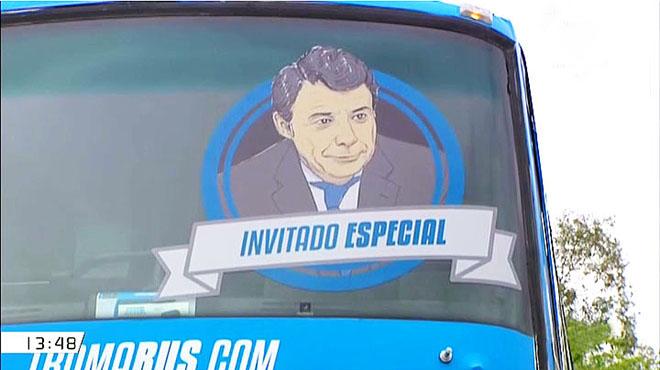 La última foto incorporada al Tramabús de Podemos.