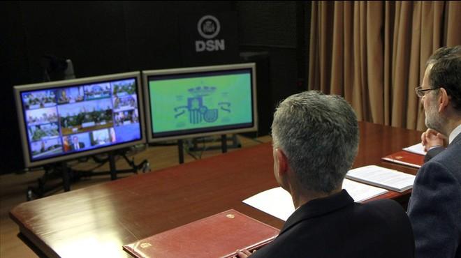 Rajoy rendeix tribut als policies i militars morts a Kabul i l'helicòpter enfonsat