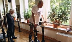 Un hombre con par�lisis vuelve a caminar gracias a un tratamiento pionero