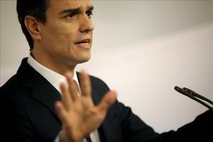El líder del PSOE, Pedro Sánchez, en la rueda de prensa ofrecida tras su cita con Rajoy.