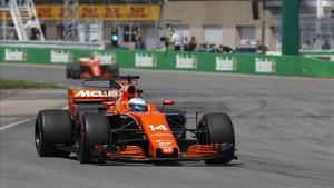 Alonso, durante la carrera en Montreal