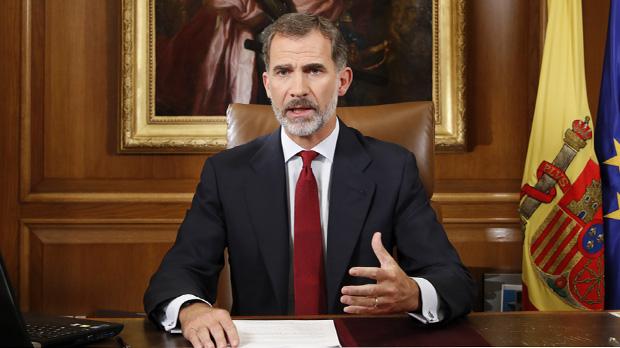 El Rei subratlla lextrema gravetat de la crisi catalana en el seu primer discurs institucional