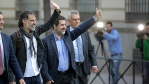 Jordi Cuixart y Jordi Sànchez a su llegada a la Audiencia Nacional.