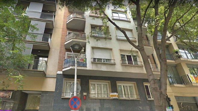 Cortada la calle Entença por la explosión en una vivienda