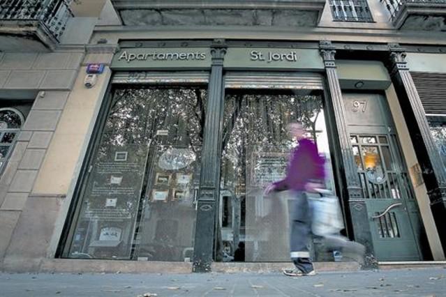 Bcn quiere dar nuevas licencias de pisos tur sticos a bloques enteros - Piso turistico barcelona ...