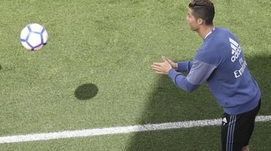 Cristiano Ronaldo, en el entrenamiento del martes en Valdebebas.