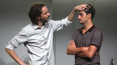 Albert Prat (izquierda) y Sergi Torrecillaen una escena de 'C�bit'.