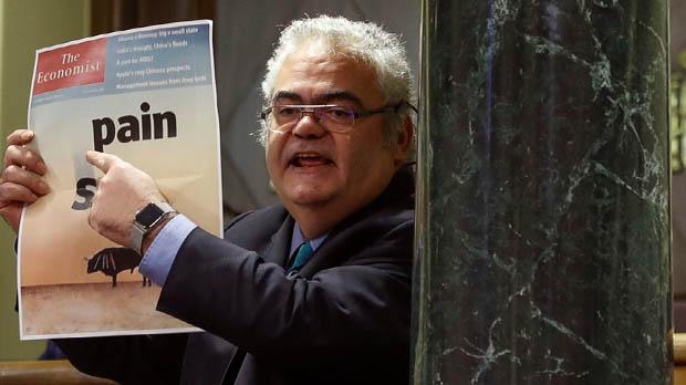 El PDECat mostra com a exemple de les crítiques per les càrregues de l'1-O una portada del 2012