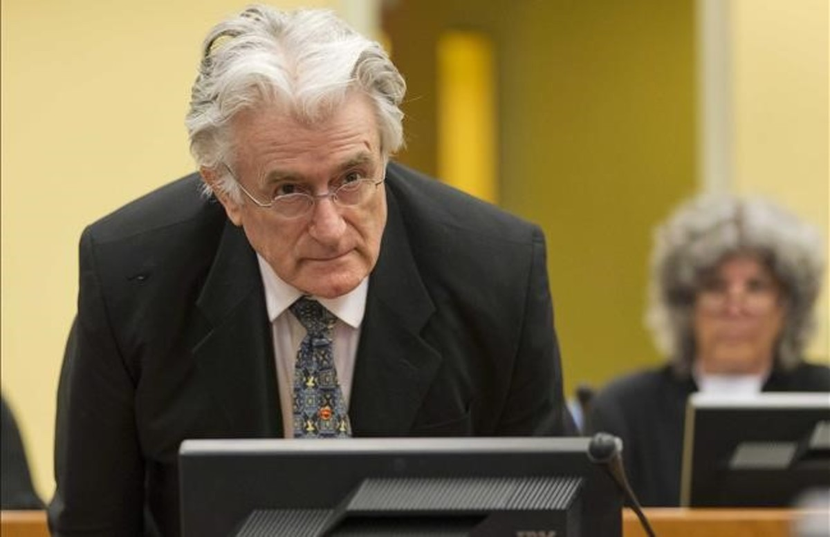 El exl�der serbobosnio Radovan Karadzic, condenado a 40 a�os de prisi�n por cr�menes de guerra