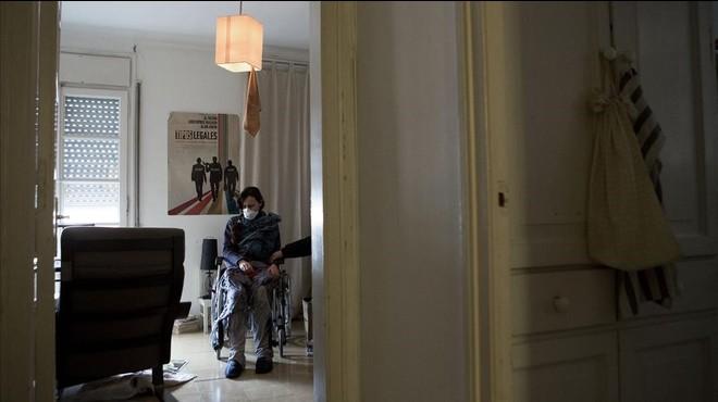 Un de cada tres nens catalans viu en un allotjament precari