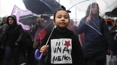"""Imagen de la marcha de protestaen Buenos Aires bajo el eslogan """"Ni una menos""""."""