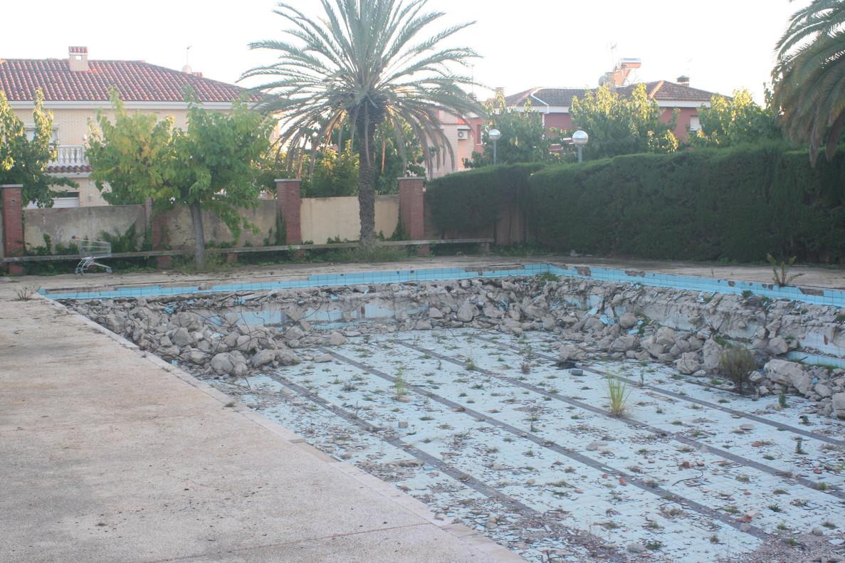 la indignante dejadez de las piscinas del estadio