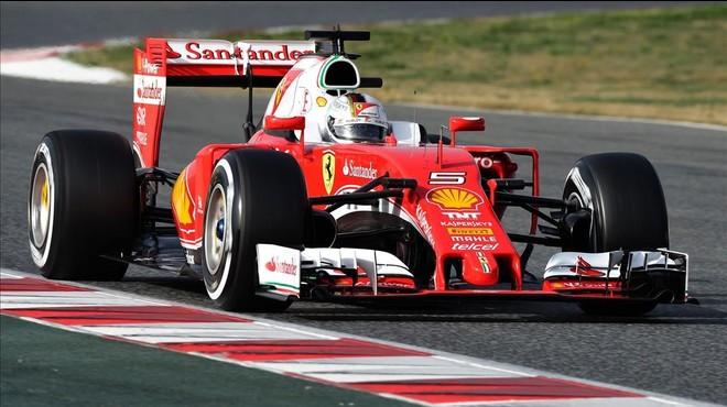 Vettel fa miques el crono de Montmeló amb els pneumàtics ultratous