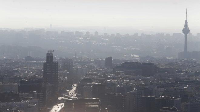 Madrid no restringirà el trànsit encara que superi els límits de pol·lució al ser retorn del pont